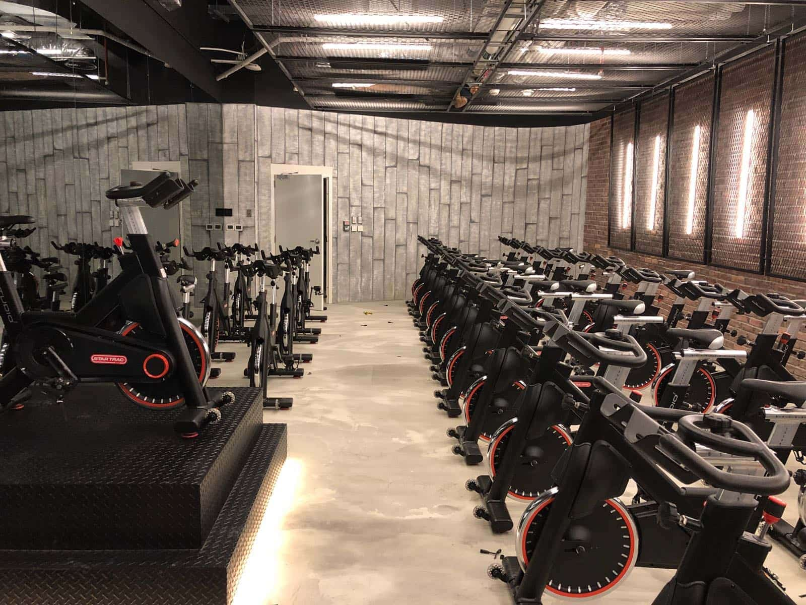 indoor cycling studio Fit-Out